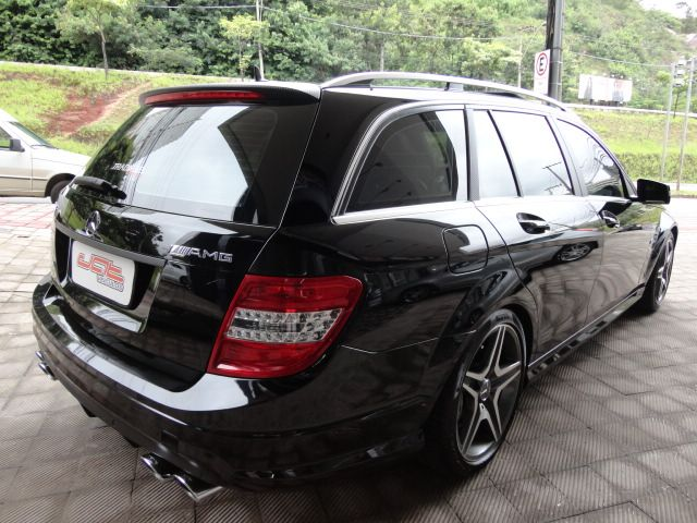 W204 C63 AMG Touring 2009 - R$ 170.000,00 A1493561